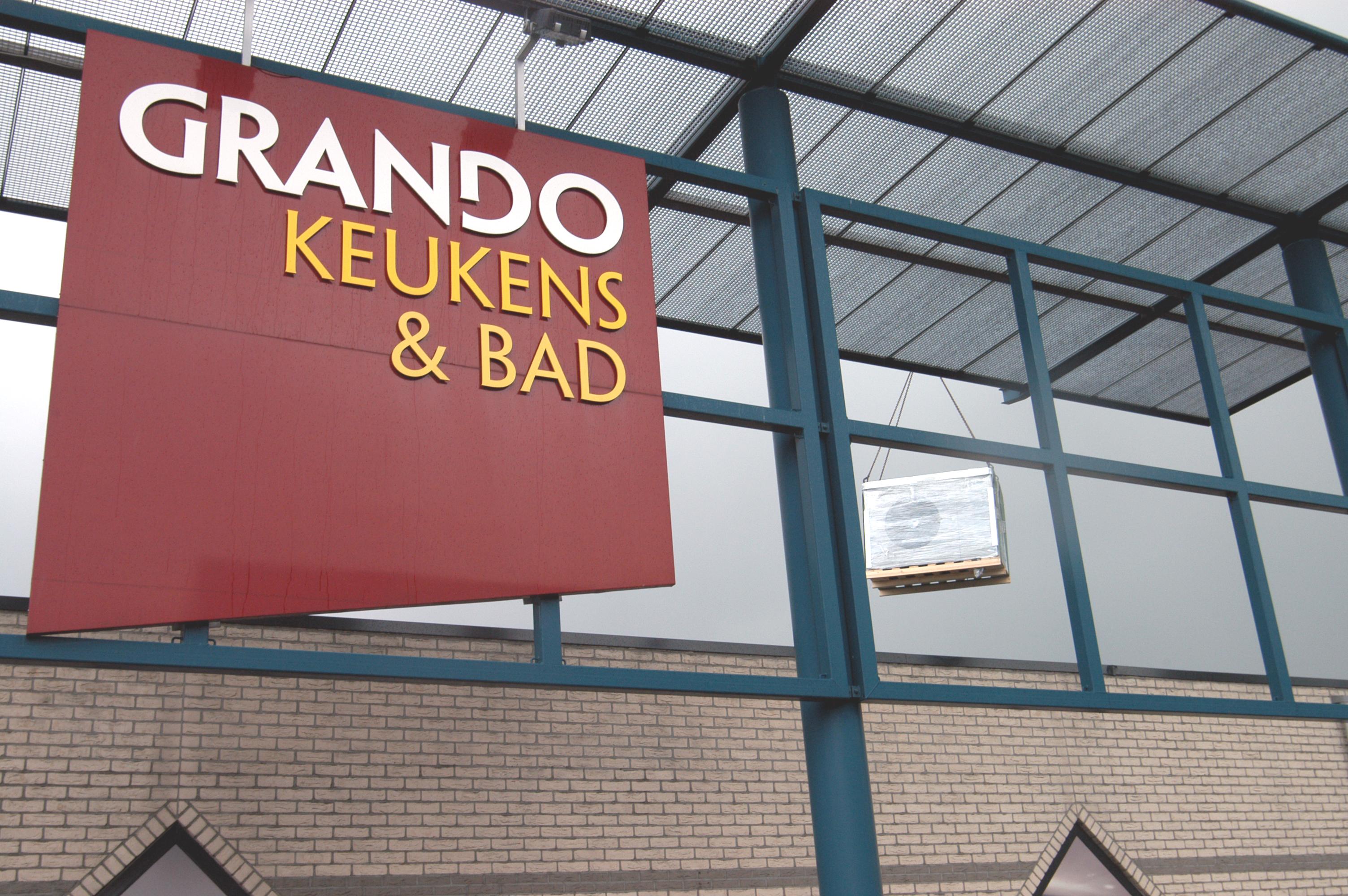 <strong>Grando keukens & bad Zwaag </strong>